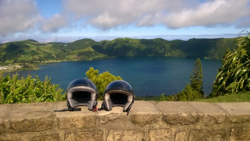 The view over Sete Cidades, Lagoa Verde & Lagoa Azul: spectacular, stunning, sensational!