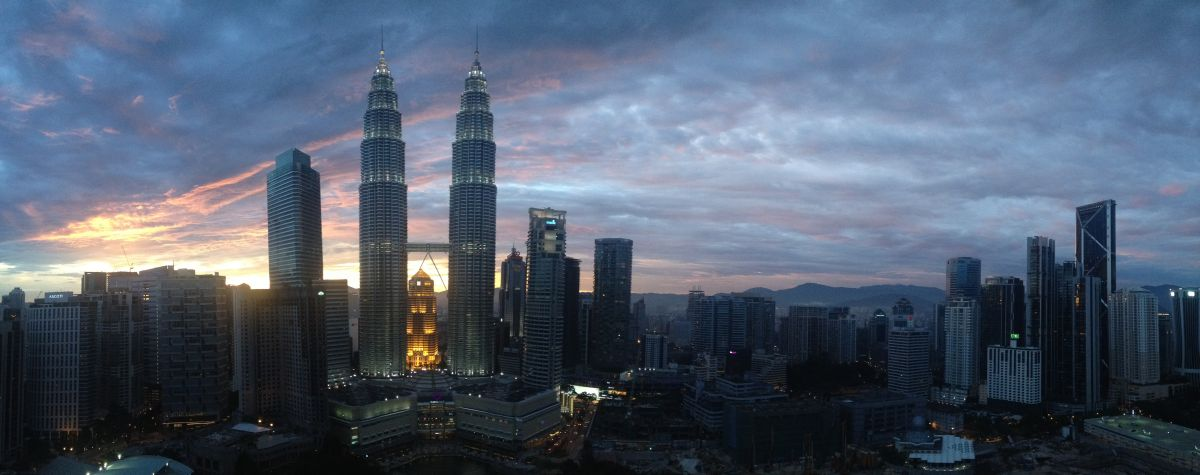 Kuala Lumpur Petronas Towers best view from Sky bar in Traders Hotel