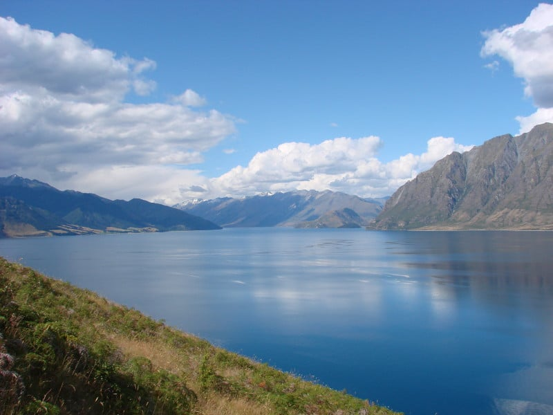 Amazing Lakes in New Zealand - Lake Hawea