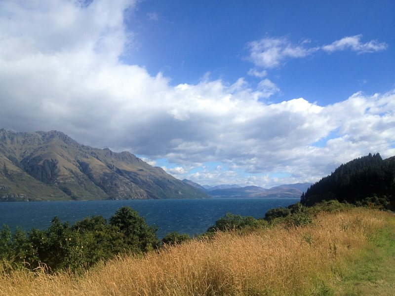Lake Wakatipu - amazing lakes in New Zealand