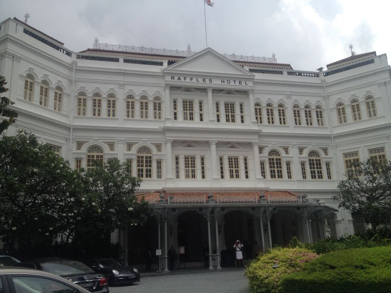 The famous Raffles hotel that opened its doors in 1887 (100 years before I was born!)