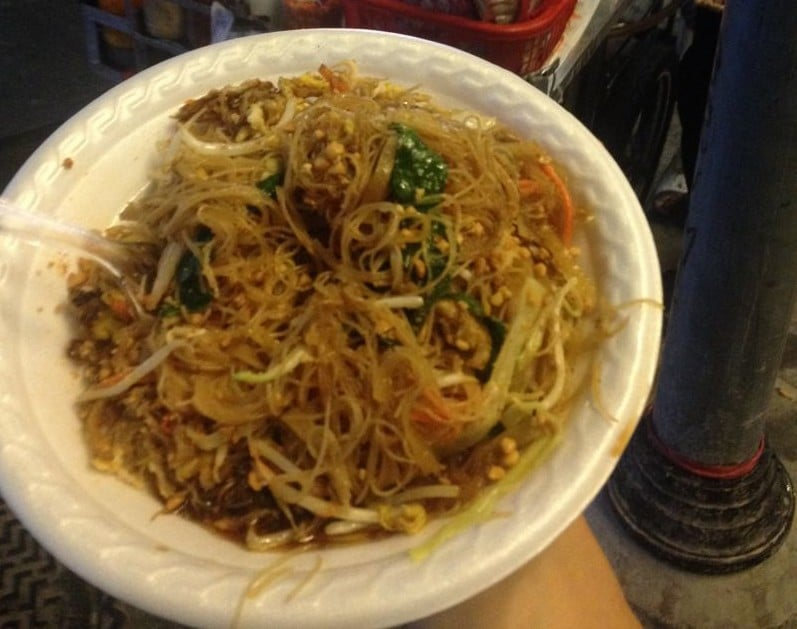Pad Thai Bangkok - street food what to eat in Thailand