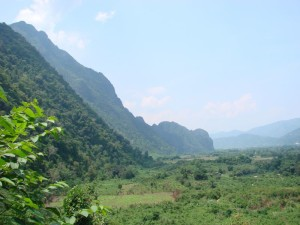 Laos travel budget travel Laos on a budget How much does it cost to travel Laos