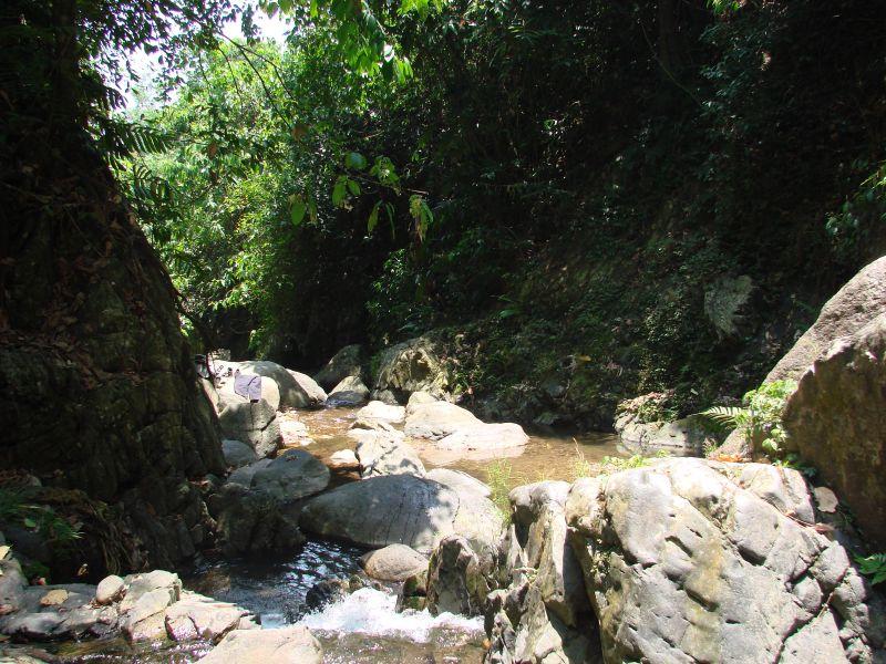 Hiking Between The Beautiful Limestone Cliffs of Vang Vieng