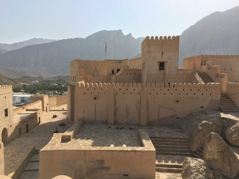 How to travel Oman - road trip itinerary for 2 weeks