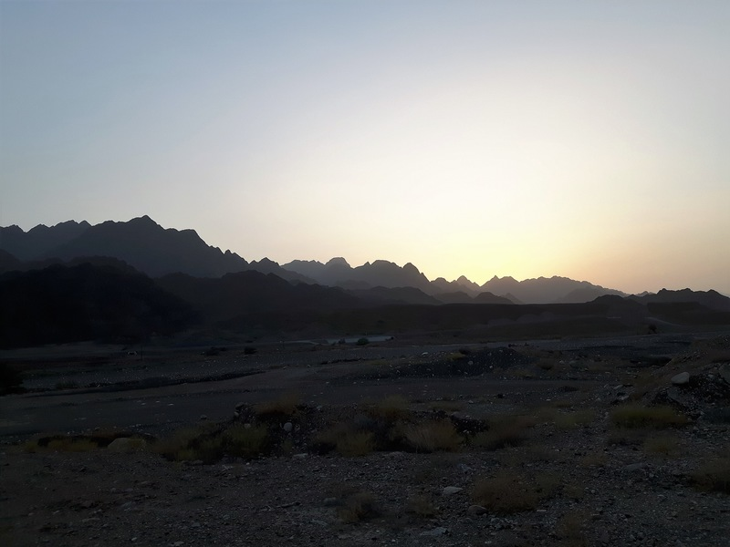 Sunset free campsite Oman near village Tool