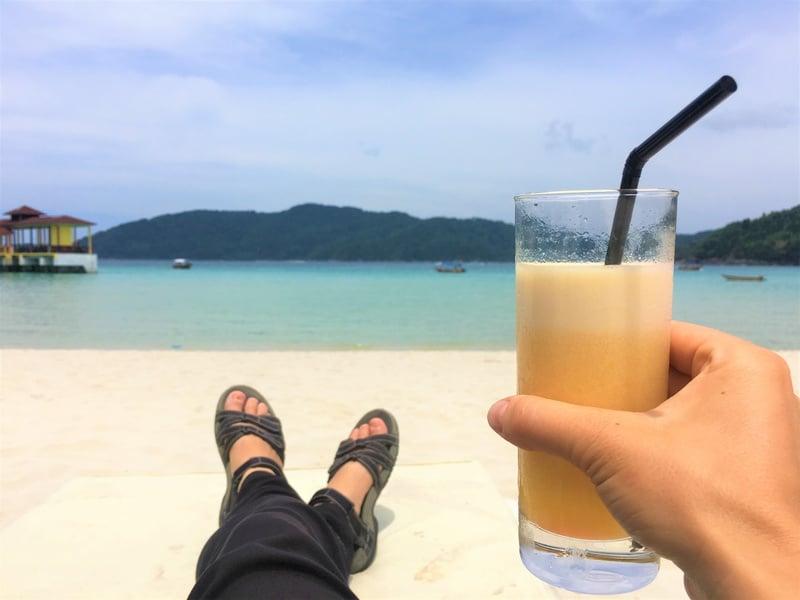 BuBu Resort Perhentian Kecil free cocktail hour