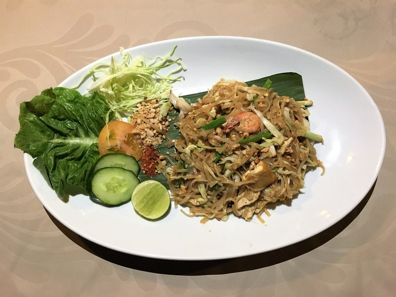 Perhentian Kecil BuBu Resort delicious food Pad Thai