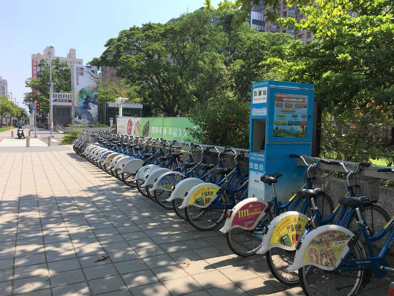 Taiwan expenses for transport can be kept low by using the public bicycles - budget travel to Taiwan