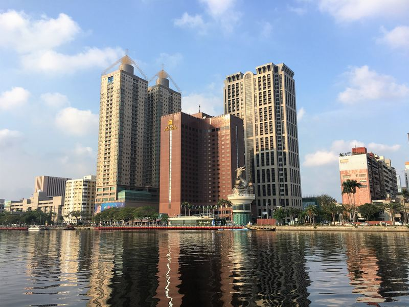 Cycling along the Love River is one of the best things to do in Kaohsiung!