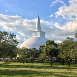 Temples in Anuradhapura Sri Lanka which temples to see