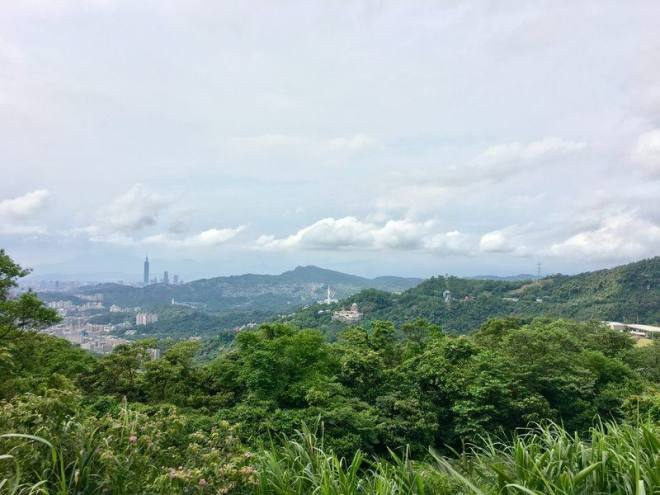 Take a day trip to Maokong easy day trips from Taipei Taiwan best day trips from Taipei