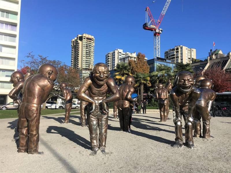 Free art in Vancouver - the A-maze-ing Laughter statues