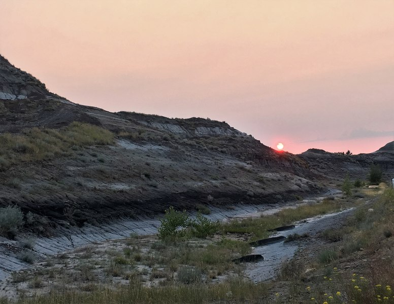 Free camping in Drumheller - free camp spot in Drumheller - overnight parking in Drumheller