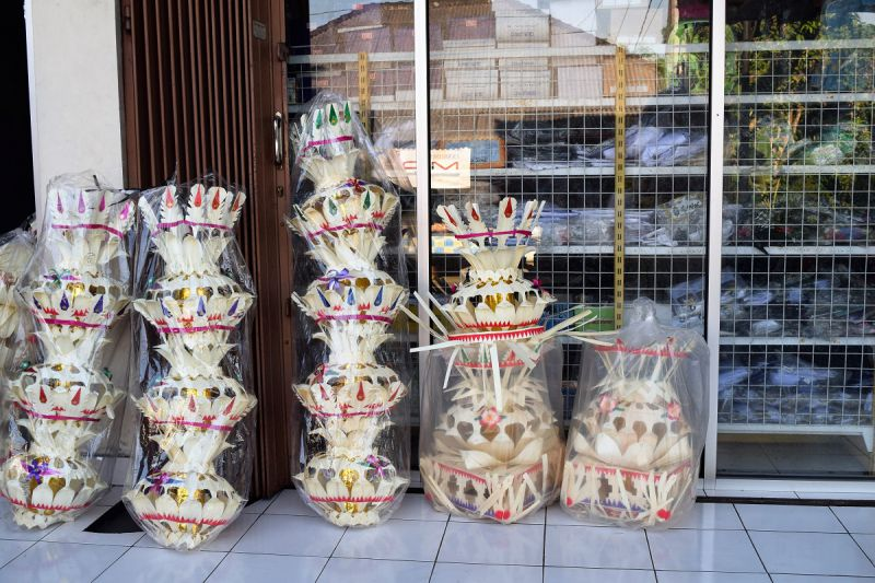 Offerings on Bali - Balinese religion