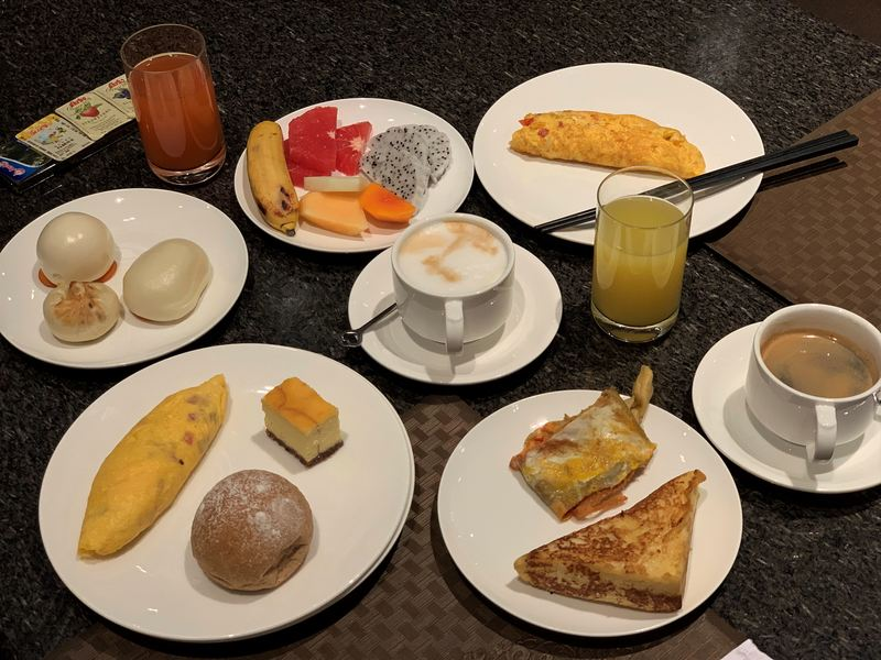 The amazing breakfast at the Zhaolin Grand Hotel