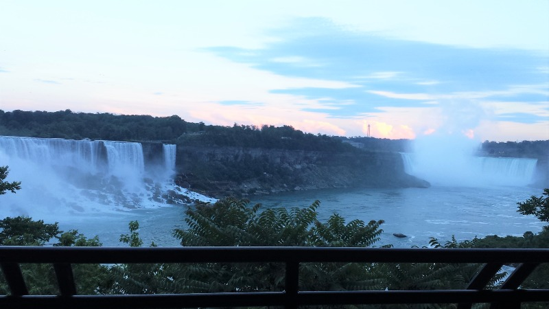 American Canadian Niagara Falls