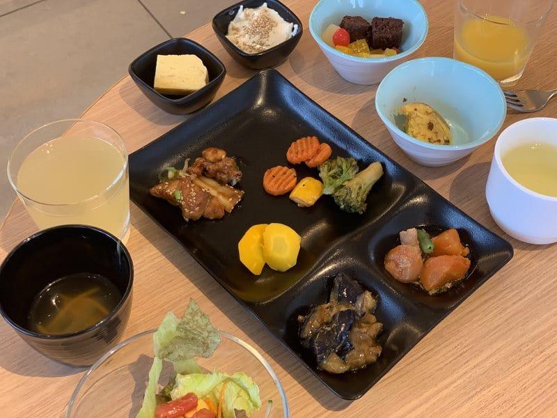 Breakfast at Candeo Hotel Tokyo Shimbashi