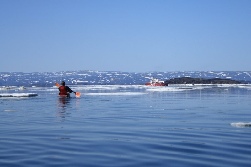 Iqaluit activities kayaking on the bay - photo by Voyageur Tripper