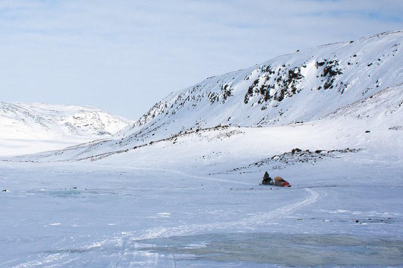 Nunavut snowmobiling on Tundra - photo by Voyageur Tripper
