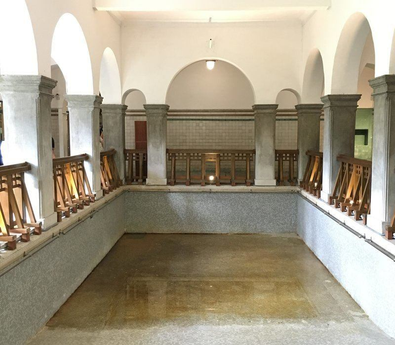 Old bath in Beitou Hot Spring Museum